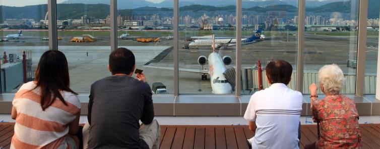 臺北松山機場觀景台