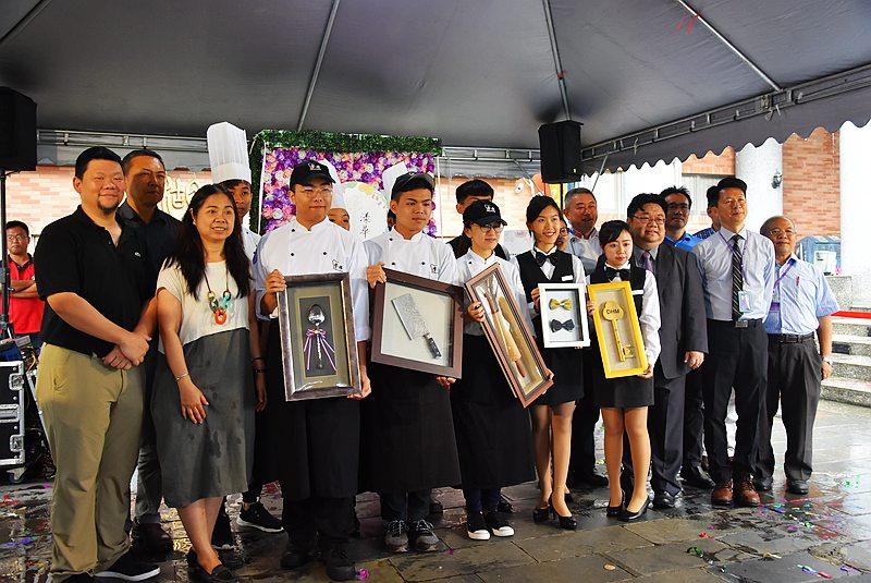 這一級明道餐旅畢業展「花漾年華」-為未來造就潛力無窮餐旅專業人才
